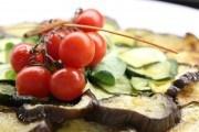 Овочеві хіти: рецепти смачних страв з помідорами та баклажанами