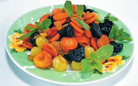 Цимес з морквою