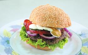 Бургер з соусом «Табаско»