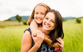 О чем вы должны сказать дочери, прежде чем она станет подростком