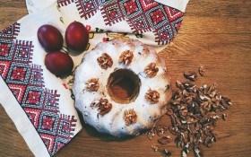 Паски, кекси та дріжджові рулети: рецепти смачної випічки до Великодня