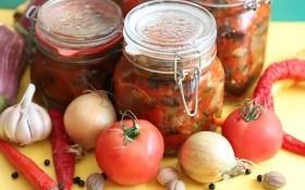 Нові рецепти консервації огірків та помідорів