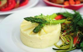 Картопляне пюре з селерою та гірчицею