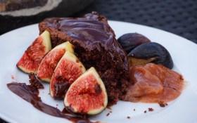 Шоколадне суфле з інжиром