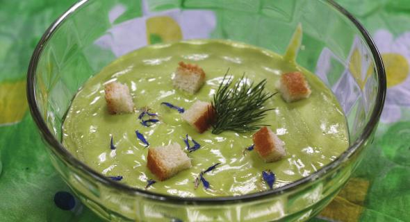 Крем-суп із зеленого горошку і шпинату