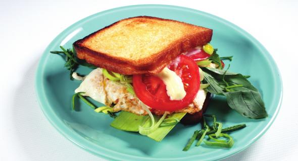 Закритий бутерброд з яйцем