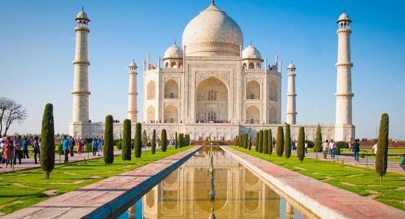 Яскраві барви, пахощі та смаки: особливості індійської кухні