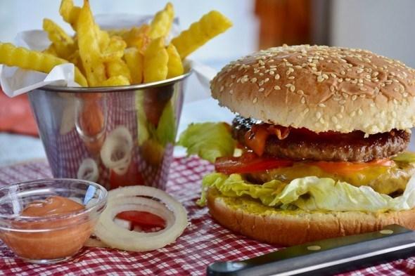 Законодавці «швидкої їжі»: смаки американської кухні