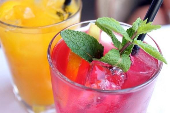 Сонце у склянці: готуємо фруктові та ягідні вітамінні напої