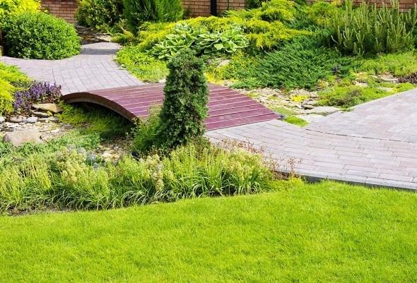 Садовые дорожки из тротуарной плитки: красиво и практично