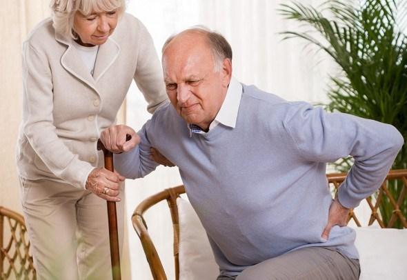 Пожилая пара боль в спине