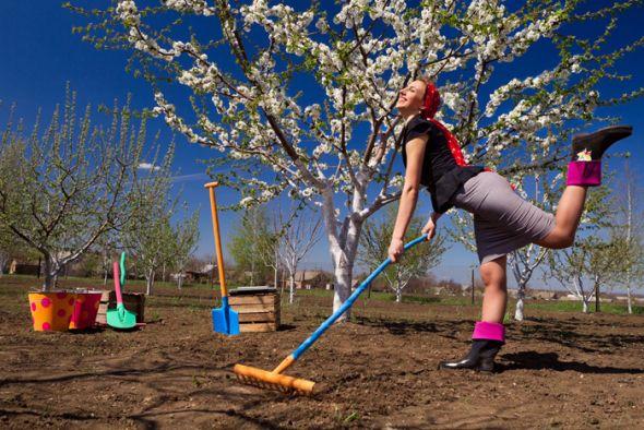 Работа на огороде весной
